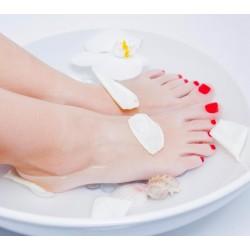 """Beauté des pieds avec la pose d'un vernis sem-permanent """"Shellac3"""